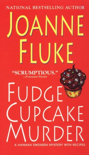 Joanne Fluke Fudge Cupcake Murder
